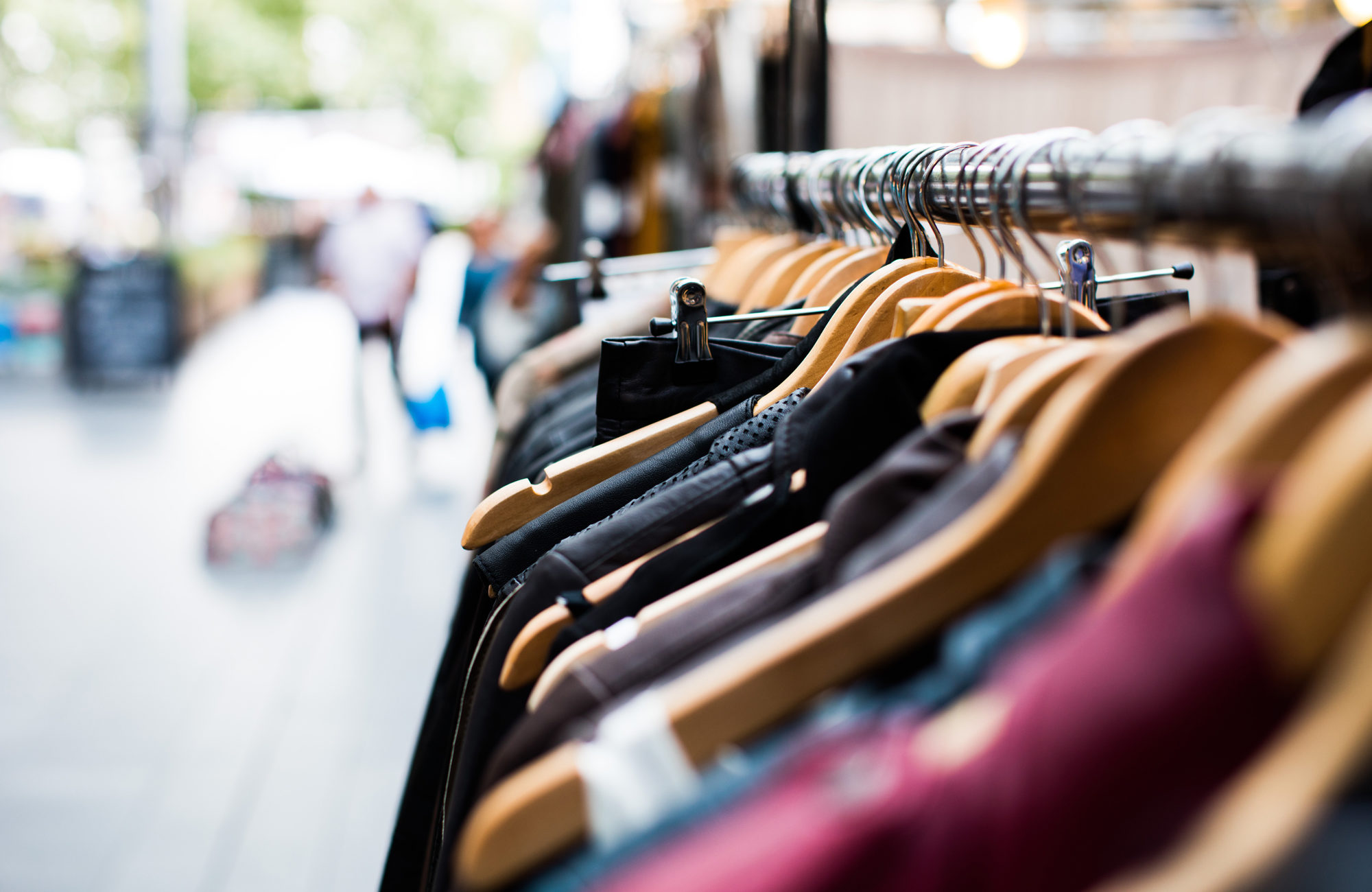 4 Benefits of a Clothing Rental Subscription Service